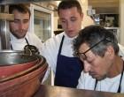 Maximin, pédagogue en cuisine © GP