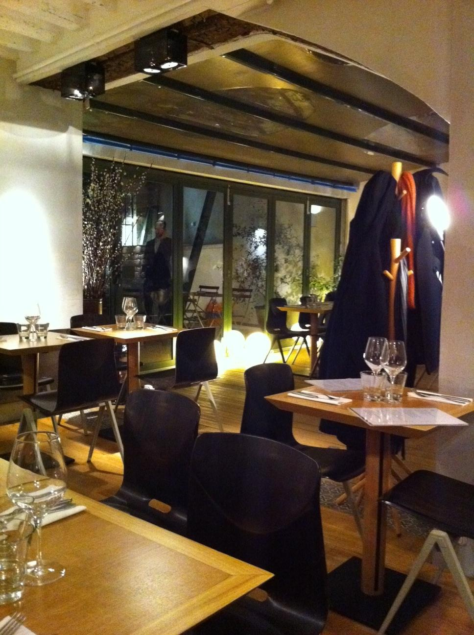 jaja restaurant paris 4e bistrot jaja selon didier paris 4e restaurants. Black Bedroom Furniture Sets. Home Design Ideas