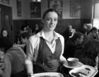 La serveuse © Maurice Rougemont