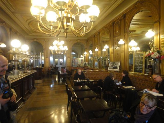 Le Caf Ef Bf Bd De Paris St Tropez