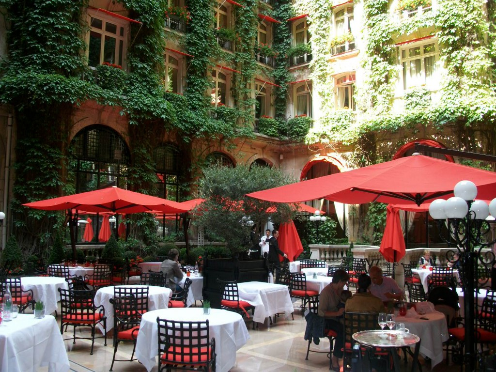 restaurant paris jardin la cour jardin la table du club