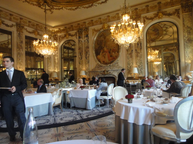 Le meurice restaurant gastronomique paris 1er yannick for Salle a manger yannick