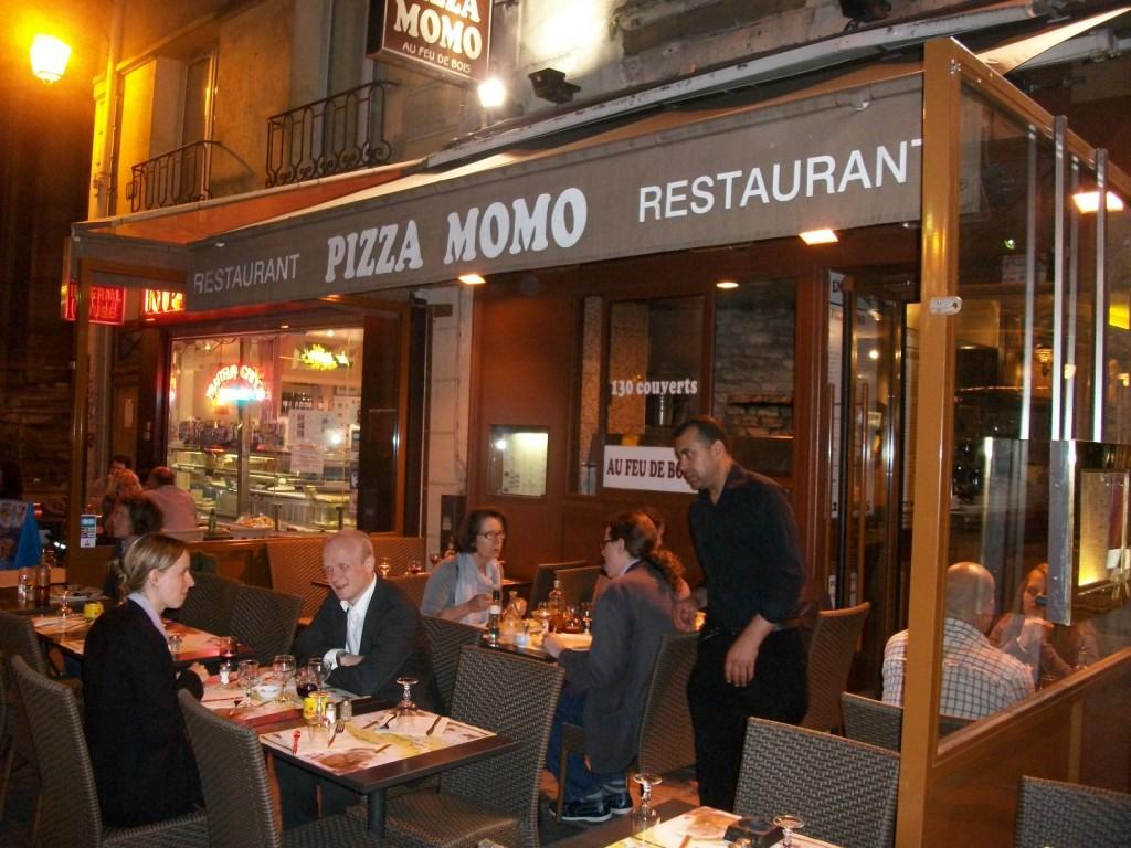 pizza momo restaurant italien paris 4e pizzeria ma pizza du lundi soir paris 4e restaurants. Black Bedroom Furniture Sets. Home Design Ideas