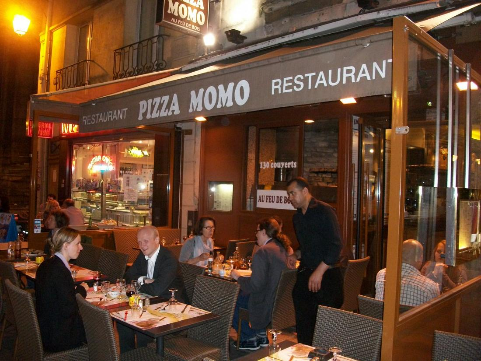 pizza momo restaurant italien paris 4e pizzeria ma. Black Bedroom Furniture Sets. Home Design Ideas
