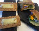 Saint nectaire fumé, œuf de truite, sablé vieux cantal et carvi  © GP