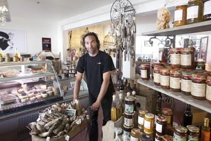 Achat de produit et spécialité corses et vente de le figatelli