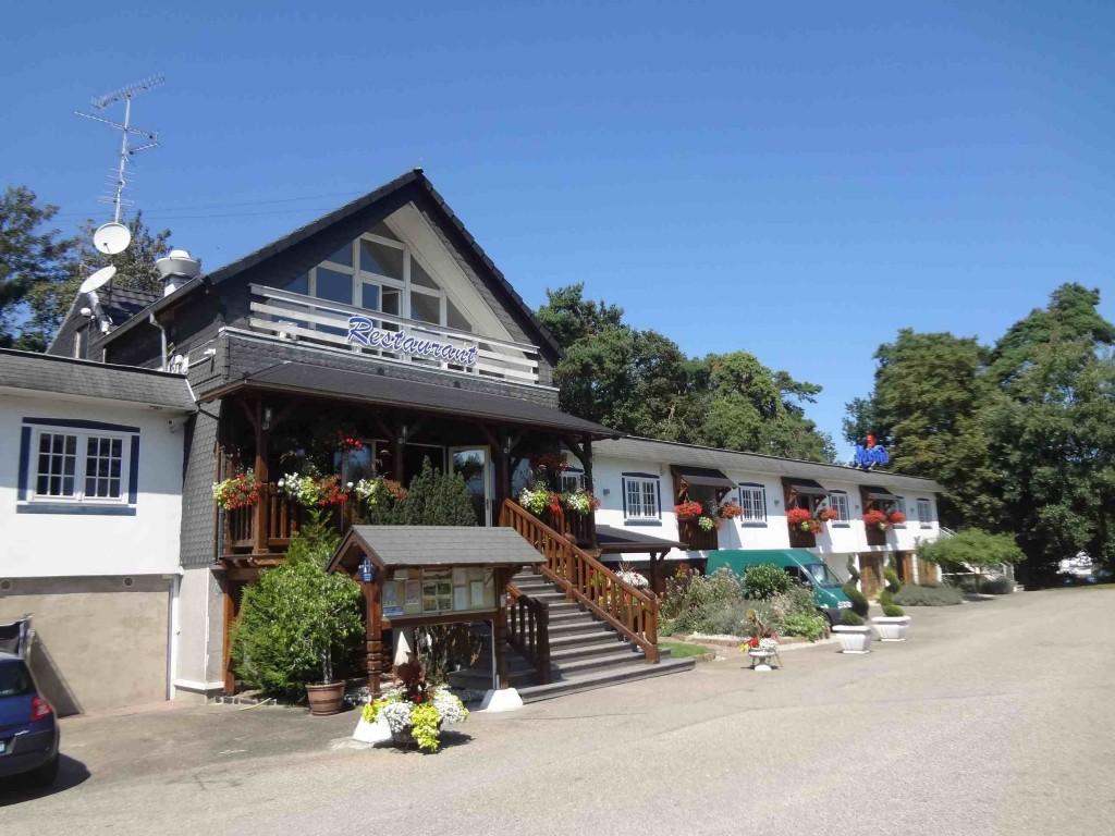 Les pins restaurant haguenau l 39 alsaco du motel for Restaurant au jardin haguenau