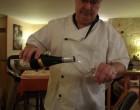 Alain Fornara servant le vin de son copain Régnier © GP