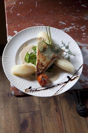 Cuisine Et Croix Roussiens Restaurant Lyon Lyon Le Petit QG Des - Cuisine et croix roussiens lyon