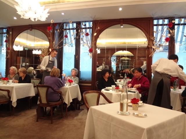 l 39 ob au crillon restaurant paris 8e ouvert le dimanche restaurants. Black Bedroom Furniture Sets. Home Design Ideas