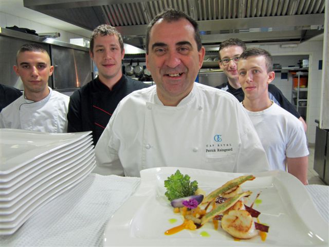 Patrick Raingeard et son équipe en cuisine © Alain Angenost