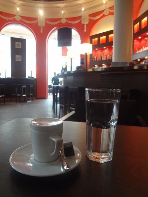 Un café au pavillon Lenôtre © GP