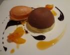 Délice de chocolat blanc au poivre rose, sorbet à l'orange sanguine ©GP