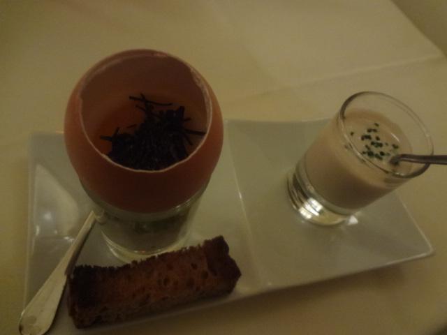 Oeuf cocotte aux truffes & velouté de cocos © GP