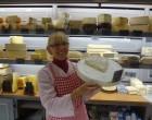 Paulette, le brie et les fromages ©GP