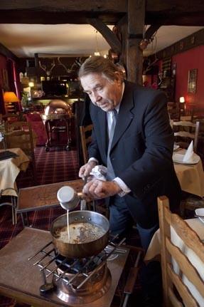 le marie stuart restaurant la roche sur yon h tel l auberge anglaise restaurants. Black Bedroom Furniture Sets. Home Design Ideas