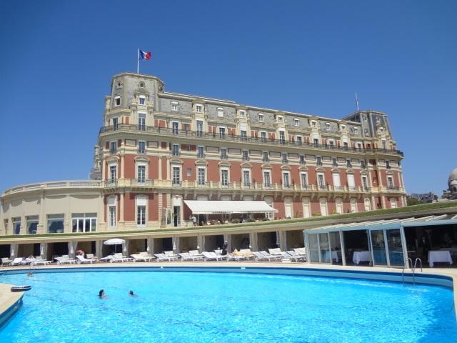 L 39 hippocampe l h tel du palais restaurant biarritz un for Piscine biarritz