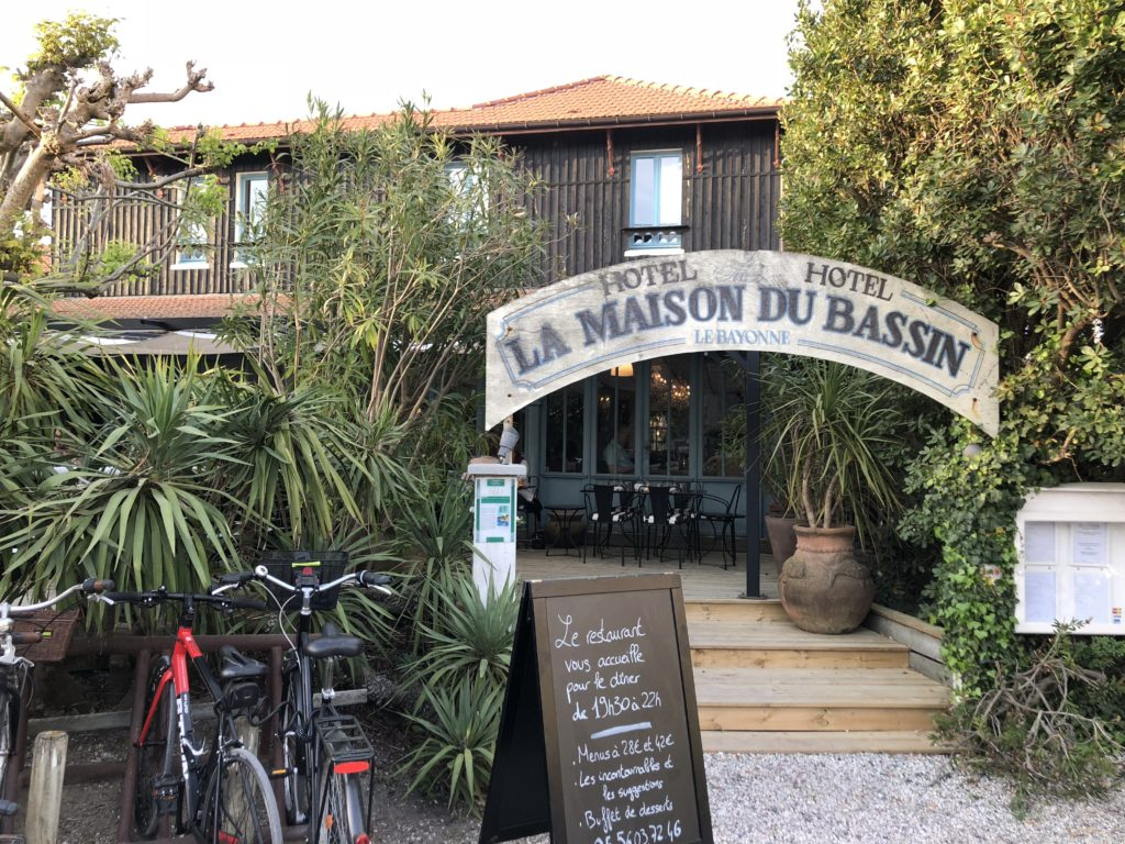 la maison du bassin restaurant le cap ferret le charme du bassin coups de coeur. Black Bedroom Furniture Sets. Home Design Ideas