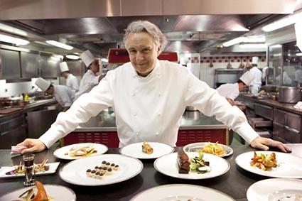Alain ducasse en cuisine for Livre cuisine ducasse