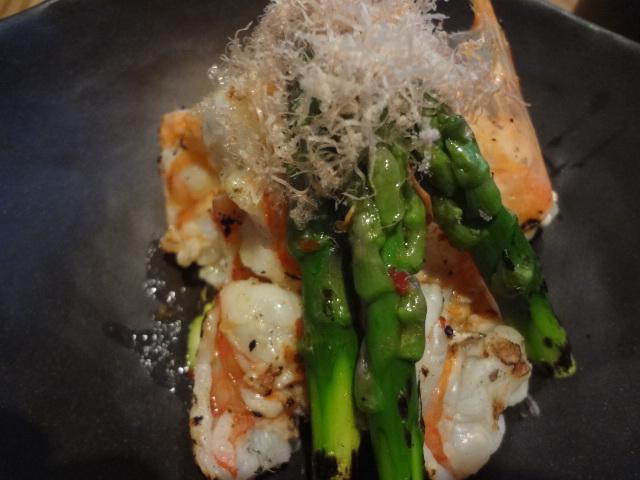 Crevettes grillées aux asperges © GP