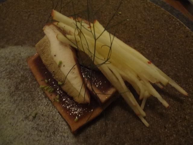 Thon mi-cuit et tapenade de cèpes © GP
