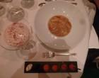 Homard sous sa raviole, pince croustillante au caviar ©Didier Chambeau