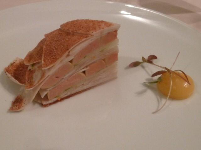 Millefeuille de champignons de Paris et foie gras © DC