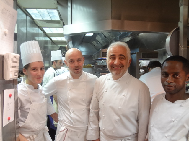 Guy Savoy en cuisine ©GP