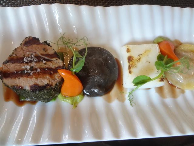 Veau et seiche grillée ©GP