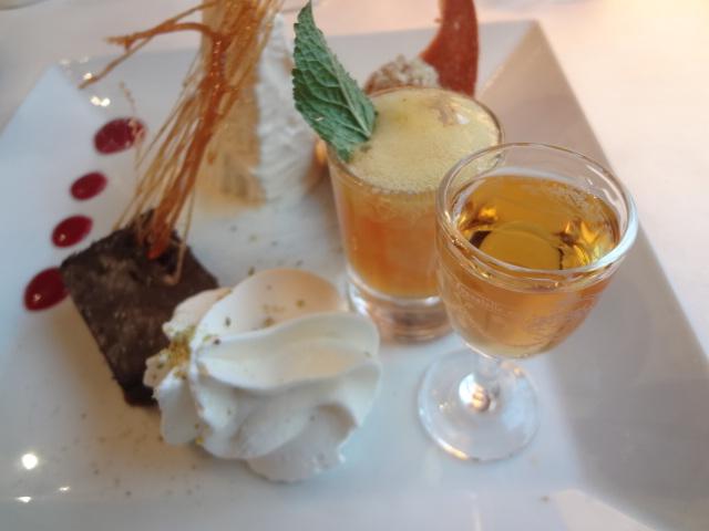 Fondant au chocolat et parfait au Grand Marnier ©GP