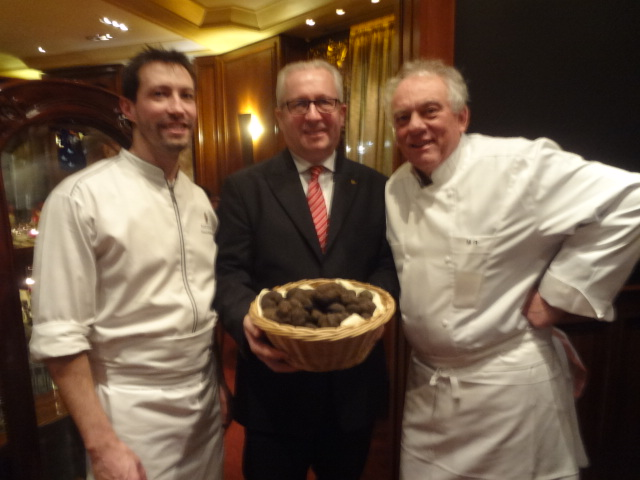 Michel rostang restaurant paris 17e rostang est grand for Restaurant michel rostang
