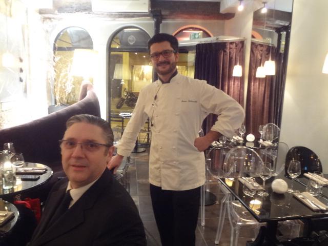 Ivan Schenatti (à droite) et un client (Massimo Mori) © GP