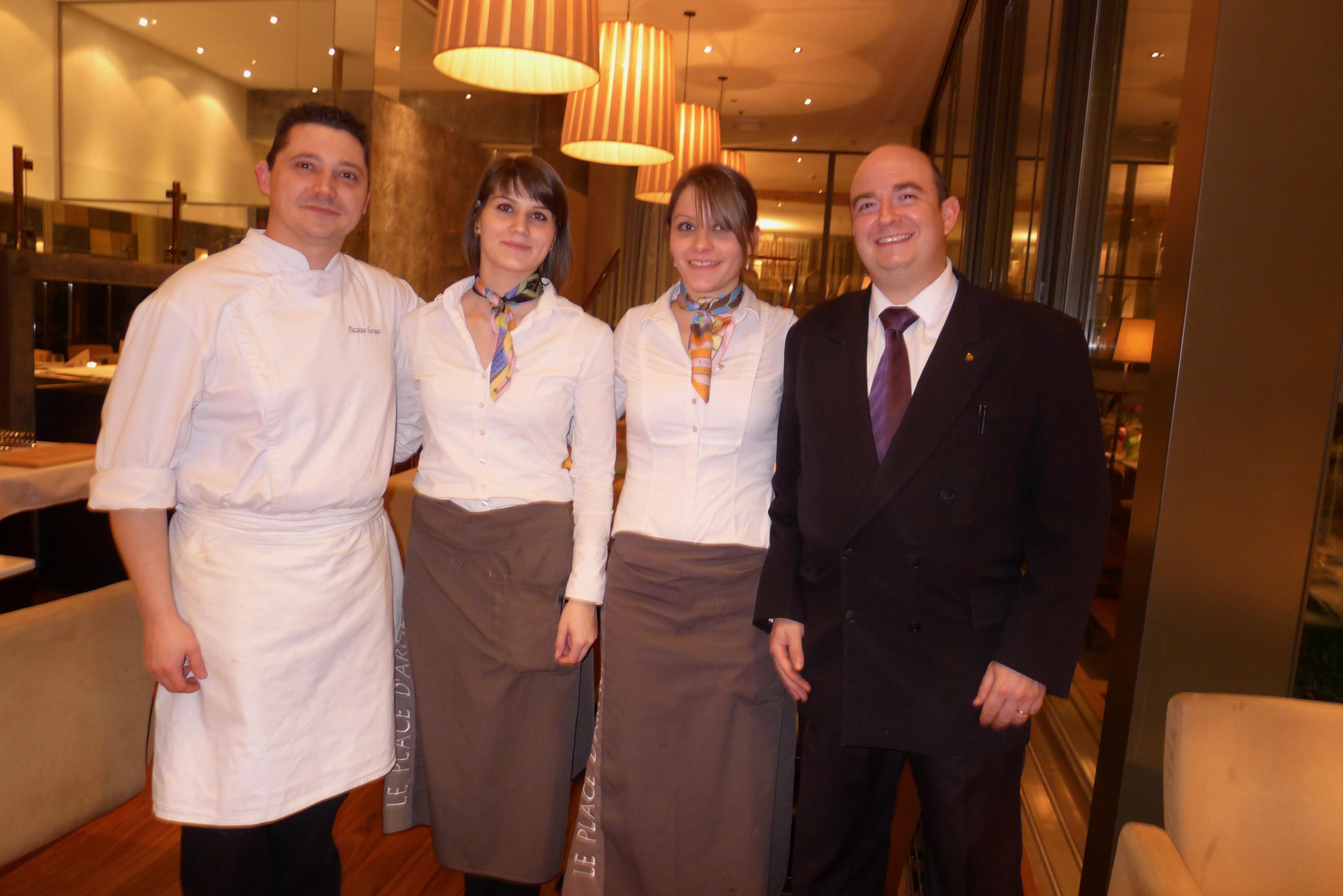 Le chef Nicolas Sureau et David et son équipe ©JPE