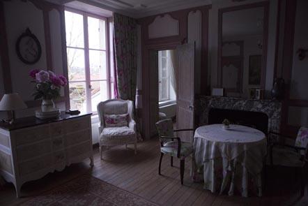 Au salon ©Maurice Rougemont