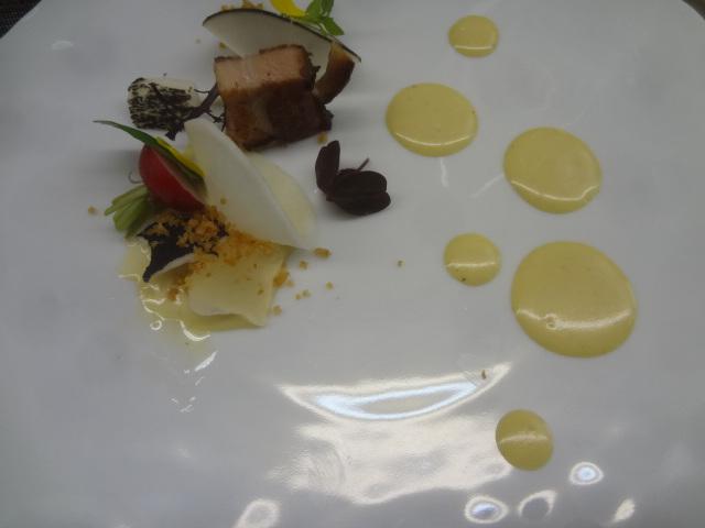 Poitrine de porc confite, émulsion miel, moutarde  ©GP