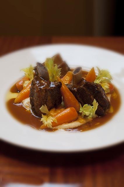 Joue de boeuf aux carottes ©Maurice Rougemont