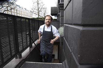 Brett Graham sortant de la cuisine © Maurice Rougemont