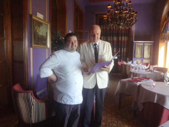Massimo Mantarra et le maitre d'hôtel ©GP