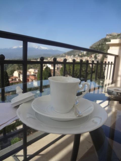Un café en terrasse©GP