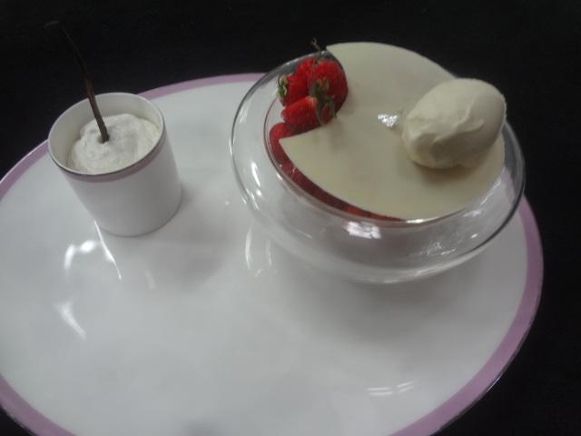 Fraises et glace vanille ©GP