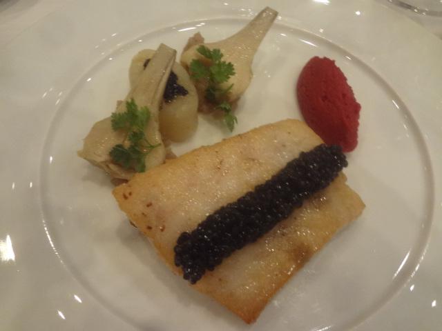 Bar aux artichauts et caviar © GP