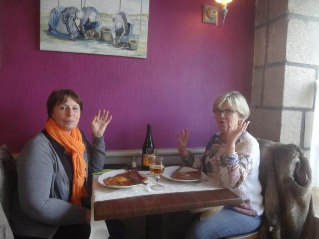 Deux clientes heureuses © GP