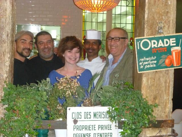 Farid (à droite) et son équipe ©DD