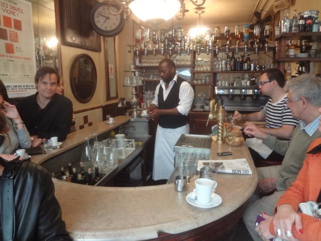 Le petit fer cheval caf paris 4e un caf au petit - Comptoir des fers et metaux sa luxembourg ...
