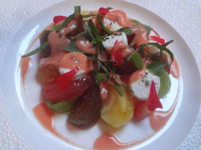 Tomates anciennes et faisselle du Rove © GP