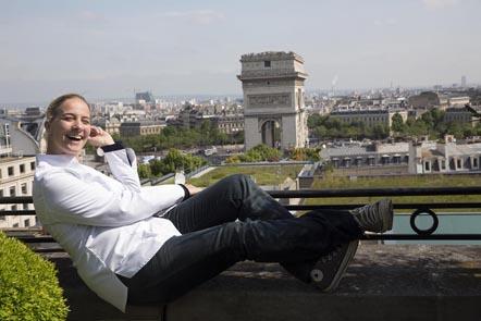 Amandine Chaignot en terrasse ©Maurice Rougemont