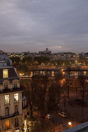 Paris tables avec vue restaurants for Maison blanche boite de nuit paris