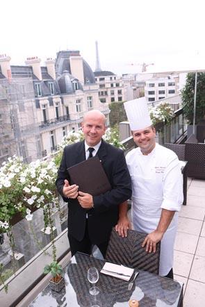 Dorian Wicart le chef et le maître d'hôtel Yves le Pézeron ©Maurice Rougemont