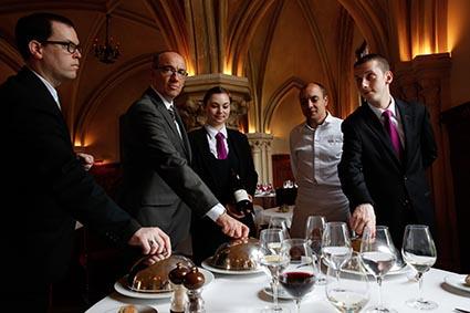 La Table Du Prieur A L Abbaye Des Vaux De Cernay Restaurant