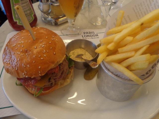 Bacon cheeseburger © GP